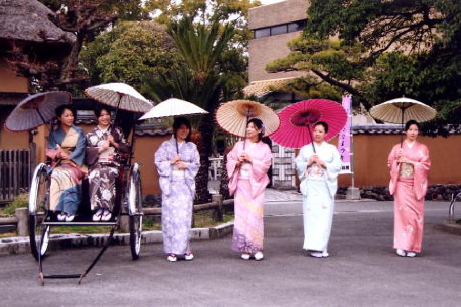 日傘の新作発表会を開催しました。